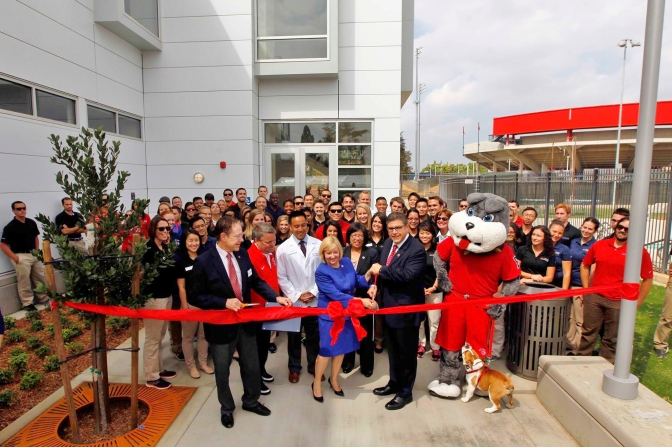 Physical Therapy and Intercollegiate Athletics Building opens on campus